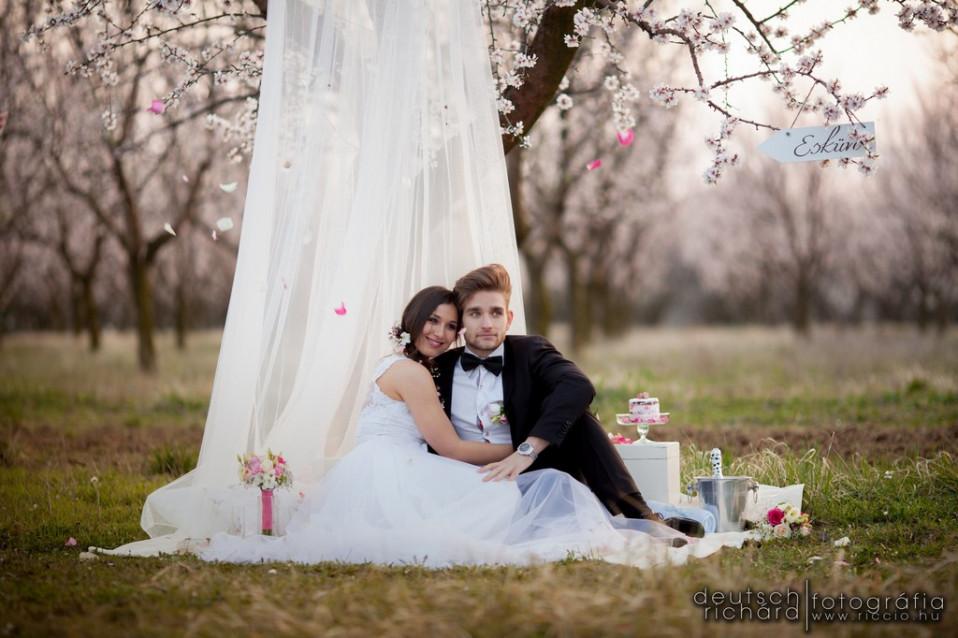 """A """"minden kell"""" esküvőkről"""